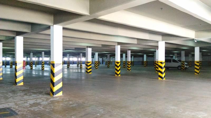 Estacionamento coberto e gratuito
